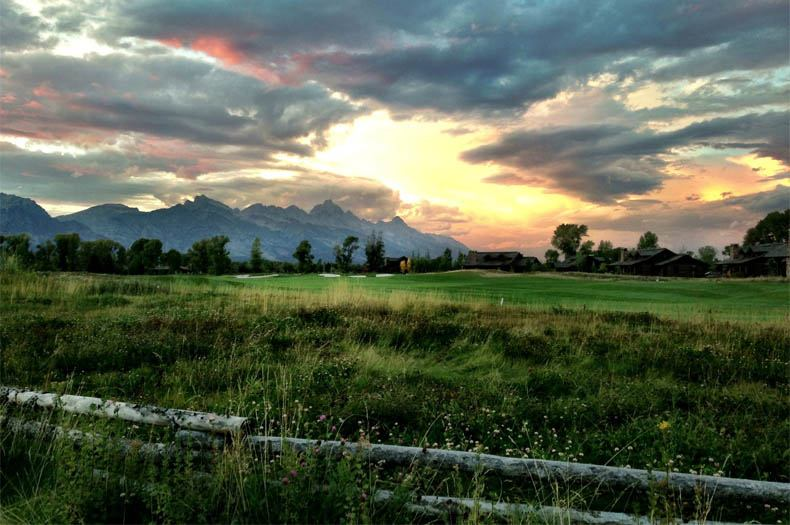 jhg&t-club-dealsjh-16-fence-line-grand-teton-sunset